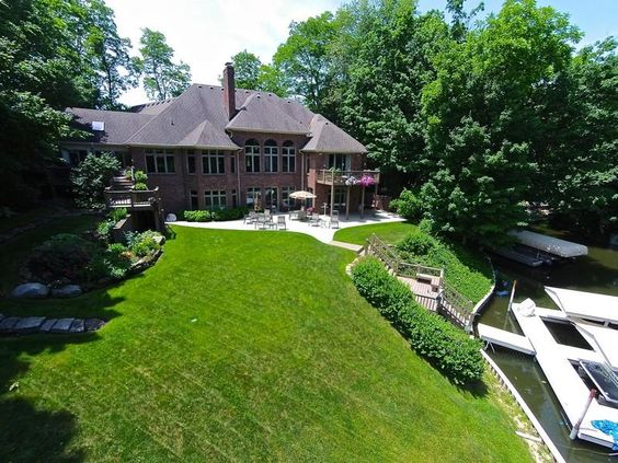 Beautiful Lakefront Residence | Noblesville Hamilton County Single Family Home Home for Sales Details