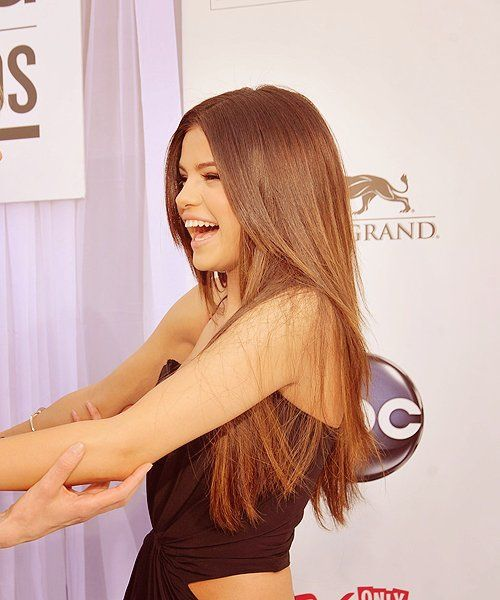 Selena can i be you? not just because you got the biebs