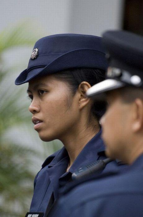 シンガポール女性警察官