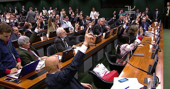 Por 48 votos a 12, CCJ rejeita parecer, e cassação de Cunha vai ao plenário
