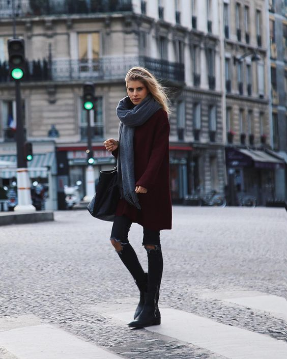 """""""strolling through the streets of parishow do you like my outfit? #paris"""""""
