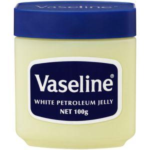 Minerale olie in cosmetica: goedkoop vulmiddel of goed voor je huid?