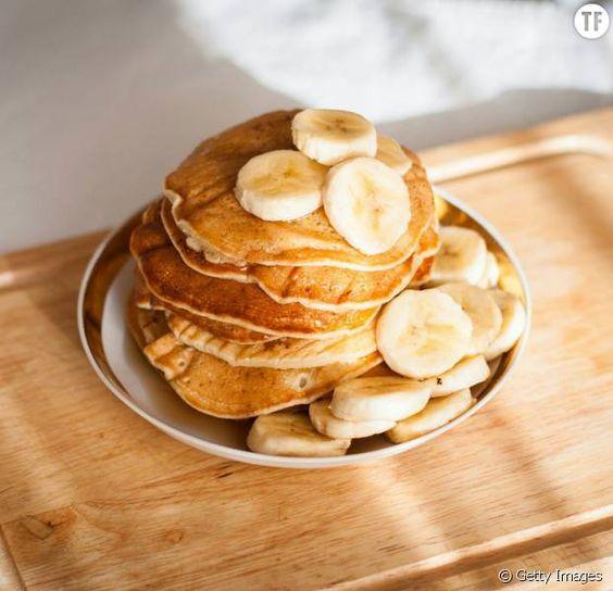 Des pancakes à la banane délicieux et healthy en 5min: la recette magique