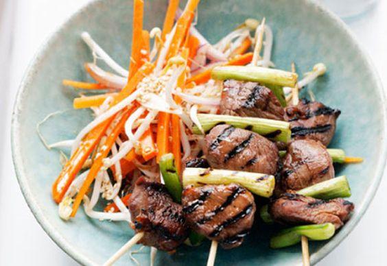 Teriyaki lamb with carrot salad