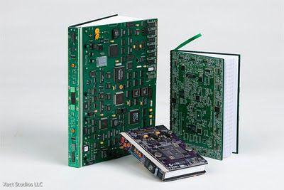 Opersan Resíduos Industriais: Componentes de computadores reciclados viram arte