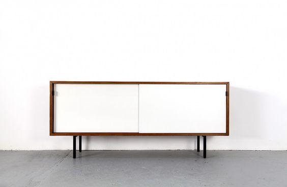 Florence Knoll Sideboard mit weißen Resopaltüren