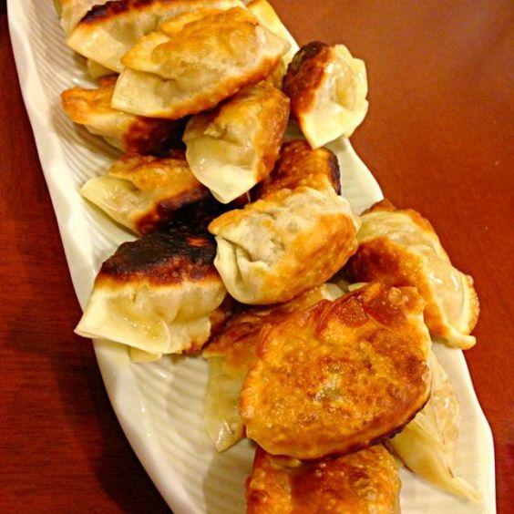 前に作ったもの♡ とっても美味しかった(((o(*゚▽゚*)o)))♡♡ - 3件のもぐもぐ - カレー風味豚肉の揚げ餃子 by ひな