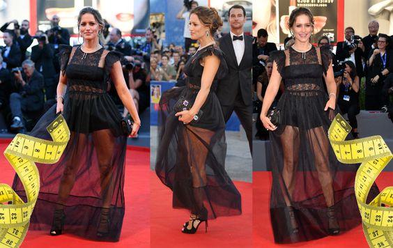 Eccola Lola Ponce sul red carpet al Lido di Venezia con un abito trasparente…