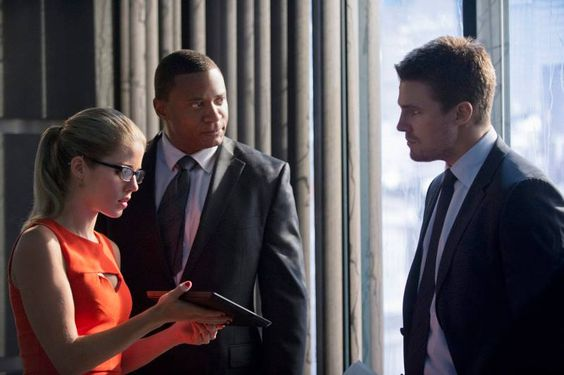 "Arrow - ""The Scientist"" - Felicity, Diggle & Oliver #2.8 #Season2"