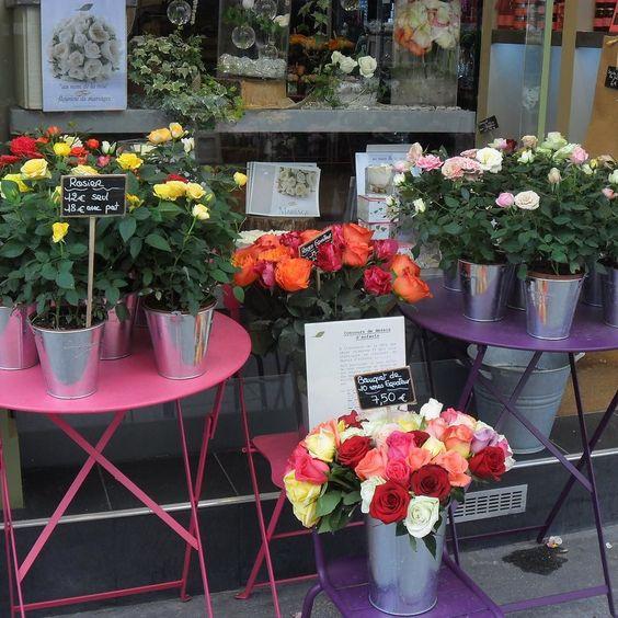 Nothing is as beautiful as fleurs in beautiful #Paris my Paris #parispicoftheday #parisstyle #parisjetaime #parisamour #ruecler #ig_photooftheday #travel #travelphoto #travel #lifeisgood #parisphoto #parisisalwaysagoodidea #pariscartepostale #parisfleur #igersdaily #parislove
