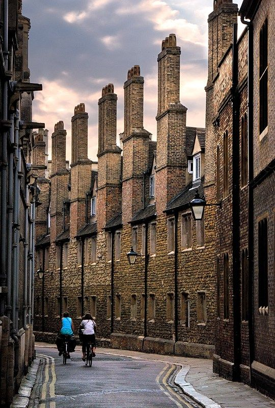 Cambridge, England You to love to drive here to shop and have lunch with my girlfriends