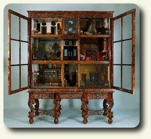Cabinet dollhouse from the 1600's