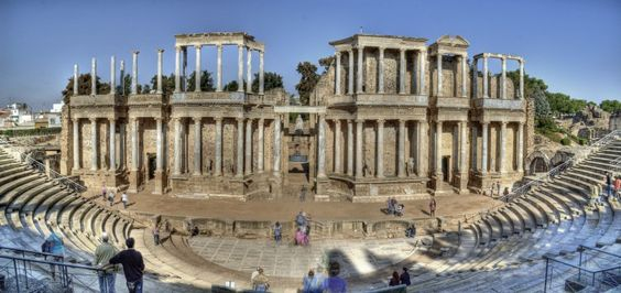See a Show At The Roman Theater (Teatro Romano) - 10 Things You Need To See In Viva La Spain