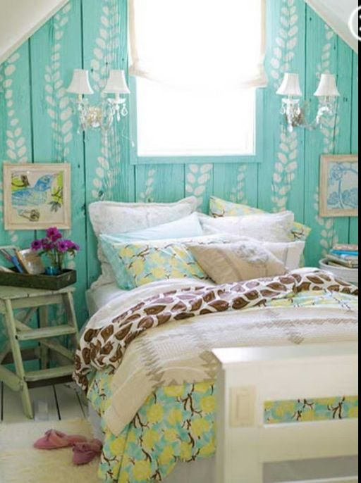 Teen Ocean Themed Bedroom: Cute Bedroom. Beach Themed Bedroom. Blue Wall. Teen Girls