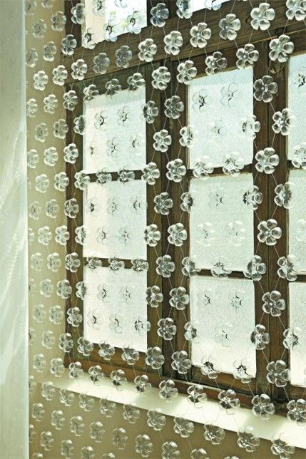 Detalhe cortina com garrafa PET
