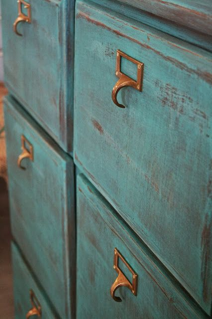 Florence Chalk Paint® by Annie Sloan. Always a good color choice!