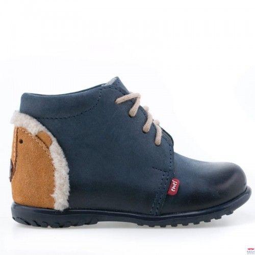 Pin By Karolina Potoczna On Bobasowa Wishlista Chukka Boots Boots Slippers