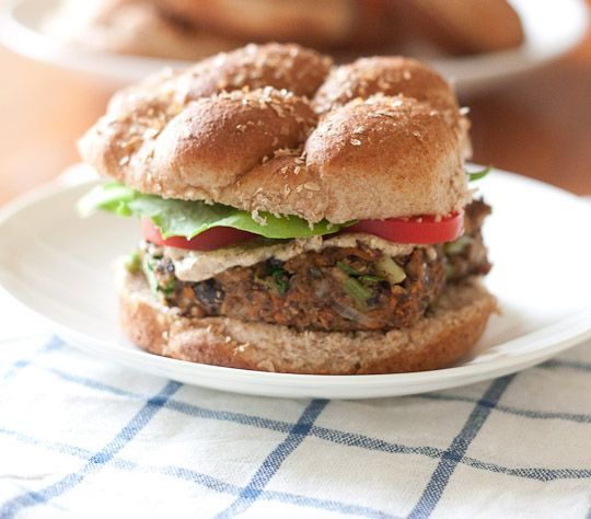 black bean edamame burgers- not a vegetarian, but this looks awesome!