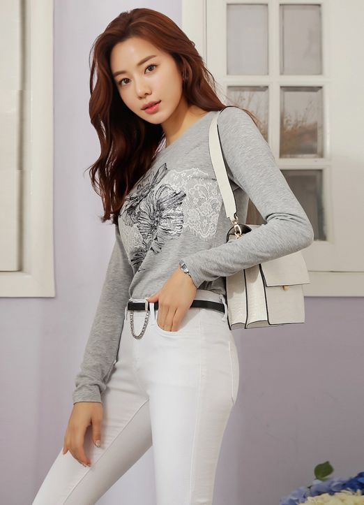 42 Korean Outfits Trending This Spring outfit fashion casualoutfit fashiontrends