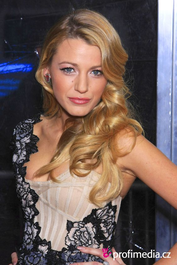 blake lively hairstyles | Prom hairstyle - Blake Lively - Blake Lively