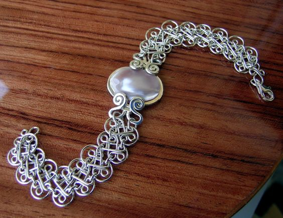 Bracelet Sterling silver and nacar mother of pearl by Almendro, $78.00