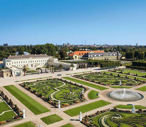 Herrenhauser Garten Schloss Und Parterre By Hmtg Via Flickr Garten Hannover Grosser Garten