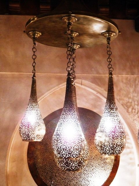 Moroccan pendant lamp in five drops remarkably ciseled. Moroccan decorating