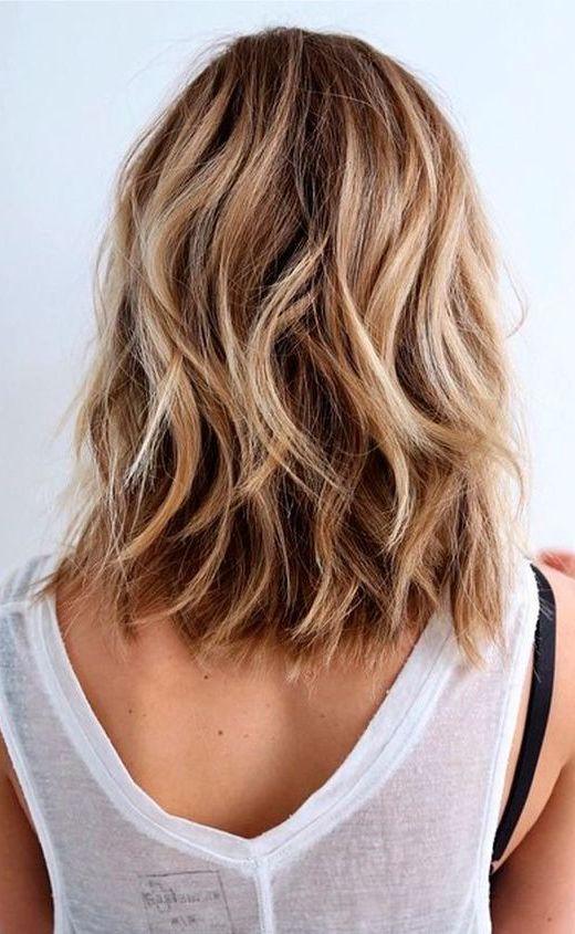 10 Unordentliche Mittlere Frisuren Fur Dickes Haar Madame Friisuren Wellen Haare Frisur Dicke Haare Naturlich Gewelltes Haar