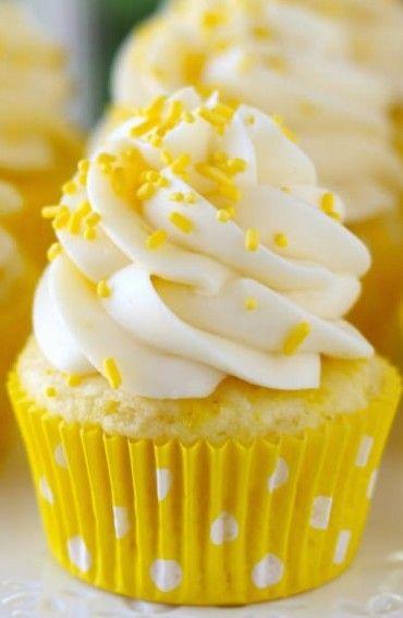 Cream cheese cupcakes, Cheese cupcake and Lemon cream on ...