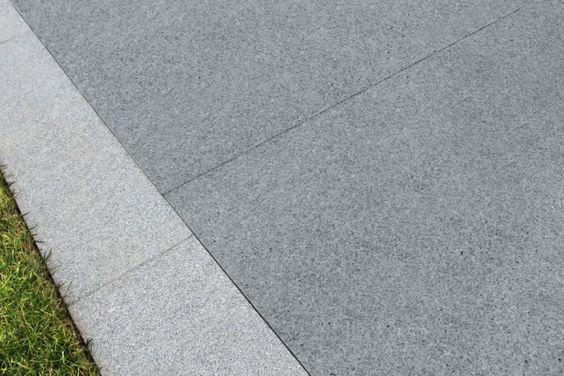 Blue-Black Granite Paving - 600x600