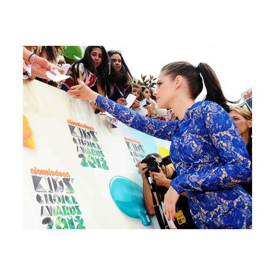 Schleimattacke auf Halle Berry, Taylor Lautner und Justin Bieber Die... ❤ liked on Polyvore