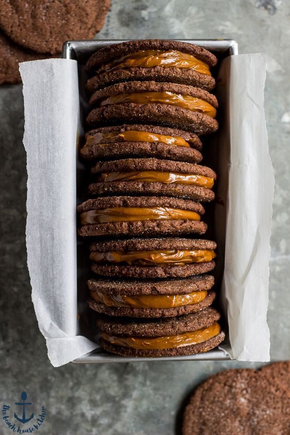Treat yourself to these deliciously decadent Mexican Chocolate Sandwich Cookies with Dulce de Leche Filling! Perfect for Cinco de Mayo!:
