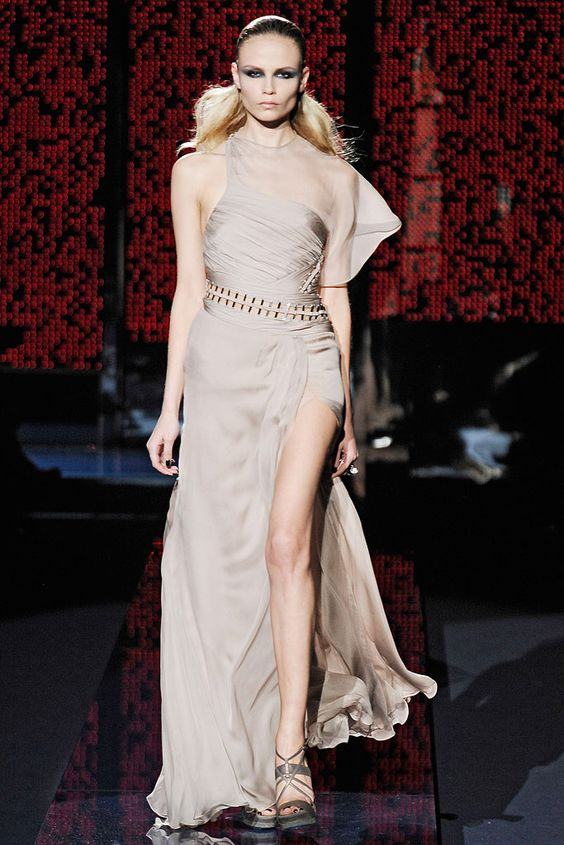 Versace Fall 2009 Ready-to-Wear - Collection - Gallery - Style.com