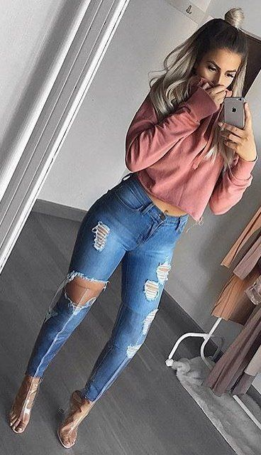Pink Sweater + Destroyed Skinny Jeans + Sandals