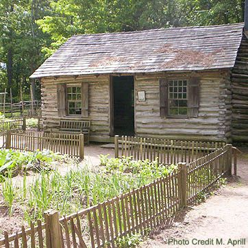 Pinterest the world s catalog of ideas for Colonial log homes