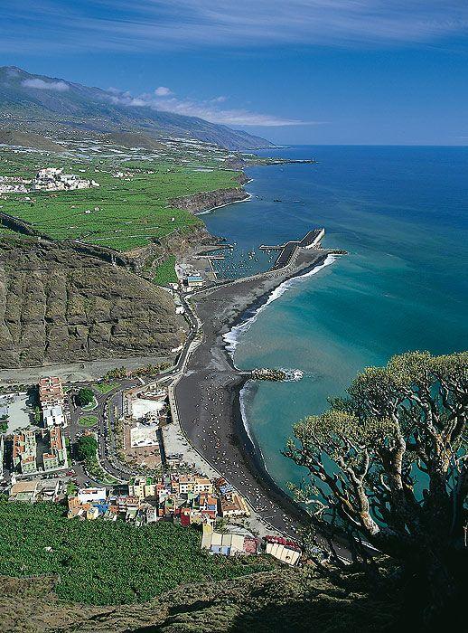 Montaña y Mar. Costas bañadas por el océano Atlántico. La Palma. Islas Canarias. #Nature #Life #LivingNature.