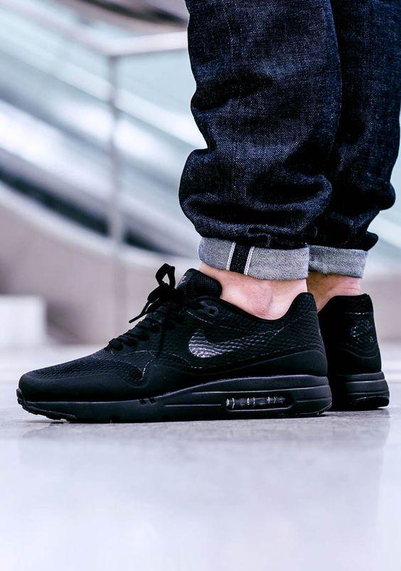 Nike Air Max 1 Ultra Flyknit Triple Black