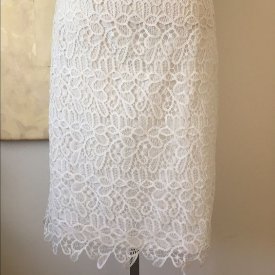 White lace skirt size M Super pretty white lace skirt, fully lined and in great condition. Potters Pot  Skirts Midi