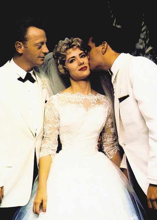 ♡♥Elvis Presley as best man kisses Pat on her wedding day to Red West on July 1st,1961♥♡