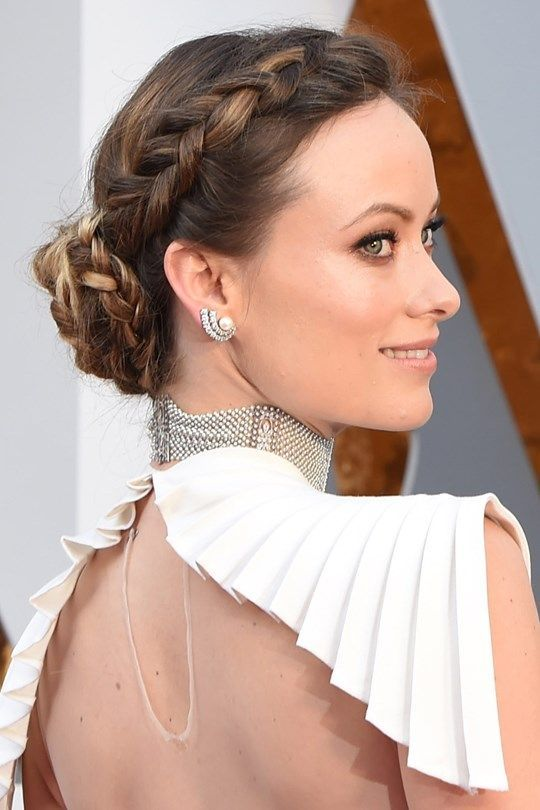 Red Carpet Hairstyle Braided Bun Olivia Wilde Celebrity Hairstyle The Oscars 2016 Hair Styles Curly Hair Styles Hair Beauty