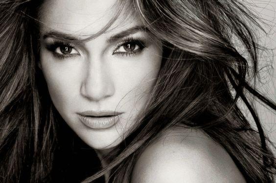 Armario de Noticias: Jumbo introduce colecciones ropas Jennifer López y...