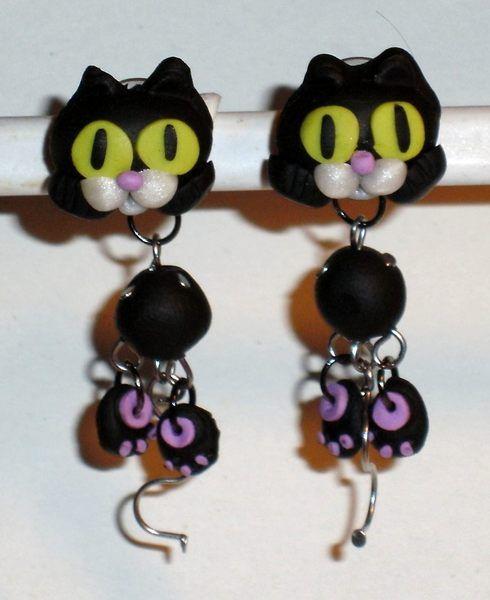 Ohrstecker Katze schwarz handgemacht aus Fimo  von Verrückte Ohrringe und Schmuck Welt auf DaWanda.com