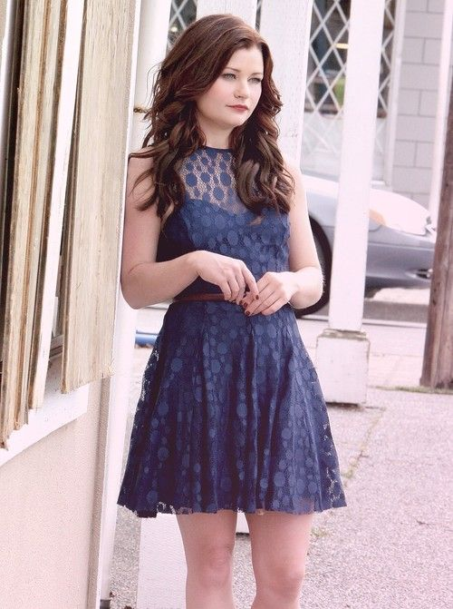 Belle from Once Upon a Time... I can NOT express how much I love this picture!!