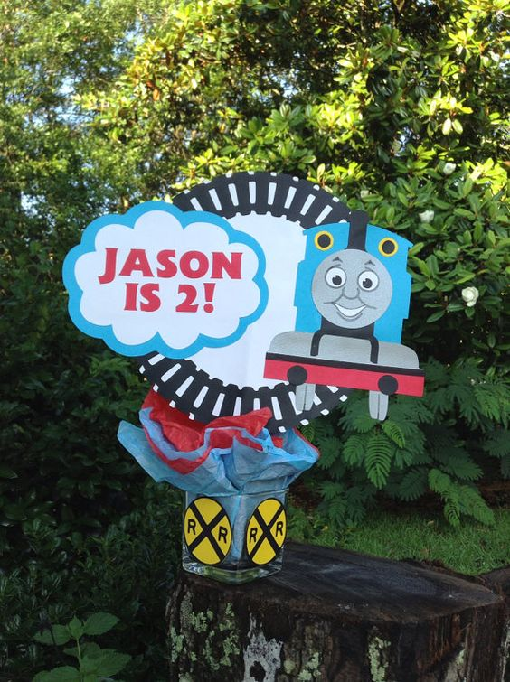 personalized thomas the train/ tank engine birthday centerpiece ... - Dekoration Tren