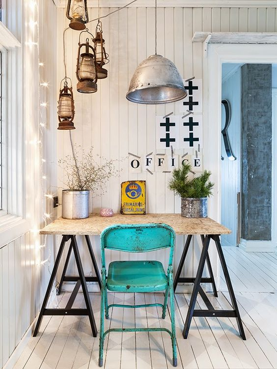 That vintage aqua chair gives such an amazing pop of color.