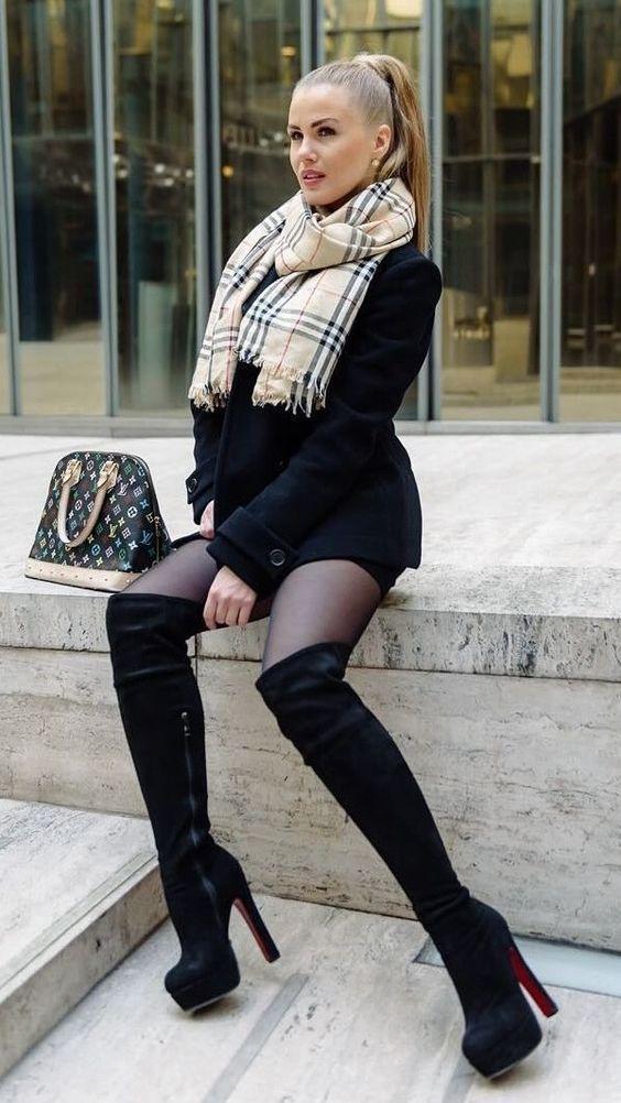 kleid mit plateau stiefel damen outfit