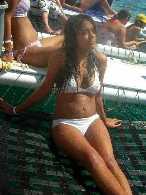 Beautiful Goa And Mumbai College Girls On Beach Photos ...