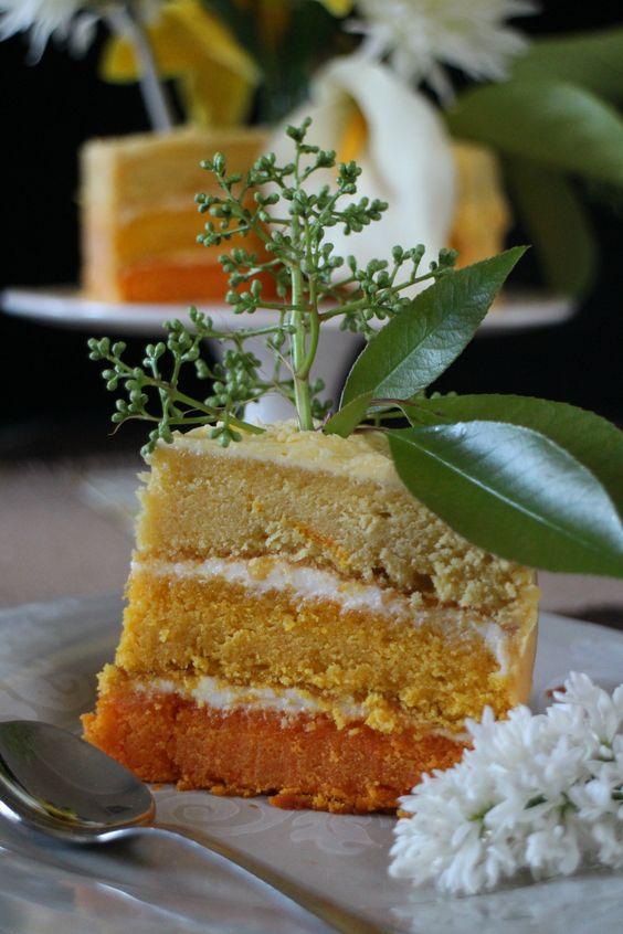 Layer cake de coco y cobertura de queso crema y coco