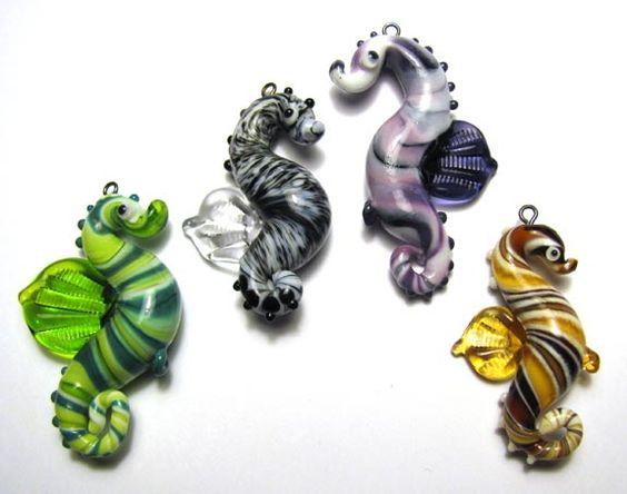 new seahorses by Verena Spitz - http://www.GlasPerlenWerk.at