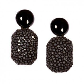 """Diese charmanten Ohrringe """"Gracy"""" in Schwarz mit Onyx von dem Label """"a cuckoo moment"""" sind der Eyecatcher für dein Outfit. Versandkostenfrei bei www.melovely.de"""